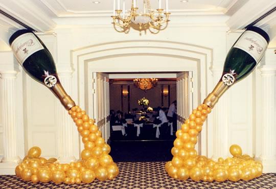 Impressive Champagne Bottle Balloon Decoration 540 x 370 · 51 kB · jpeg